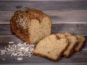 Słonecznikowy chleb bezglutenowy proteinowy